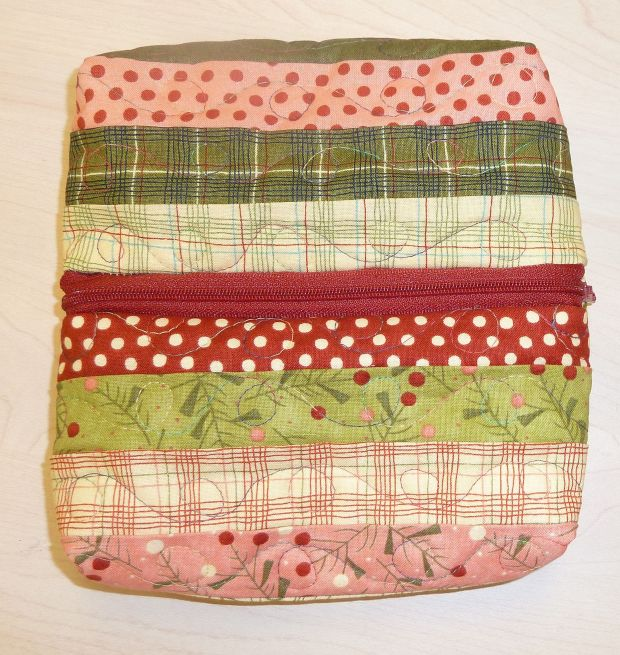 Finished Honey Bun Zipper Bag