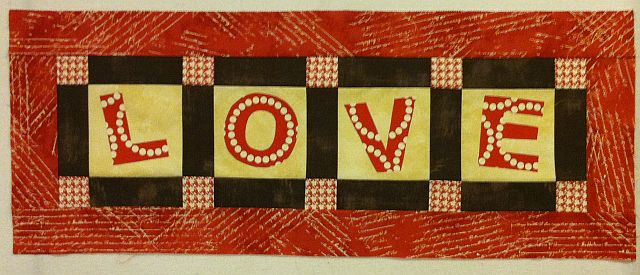 Applique christa quilts lover runner spiritdancerdesigns Images