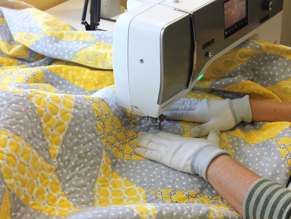 Quick Quilt Tips Tour – 5 Tips for Faster Quilting on Your Home ... : machine quilting at home - Adamdwight.com