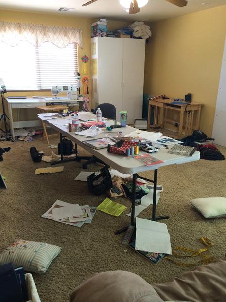sewingroom_messy