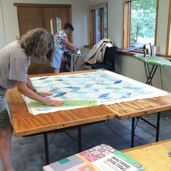 Tutorials on quilt basting for machine quilting