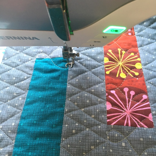Free Motion Quilting on Dot n Dash Quilt