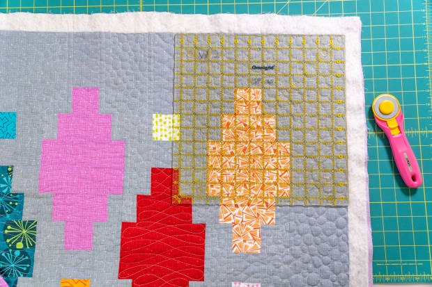 Beaded Lanterns Quilt Along - Trim and Bind