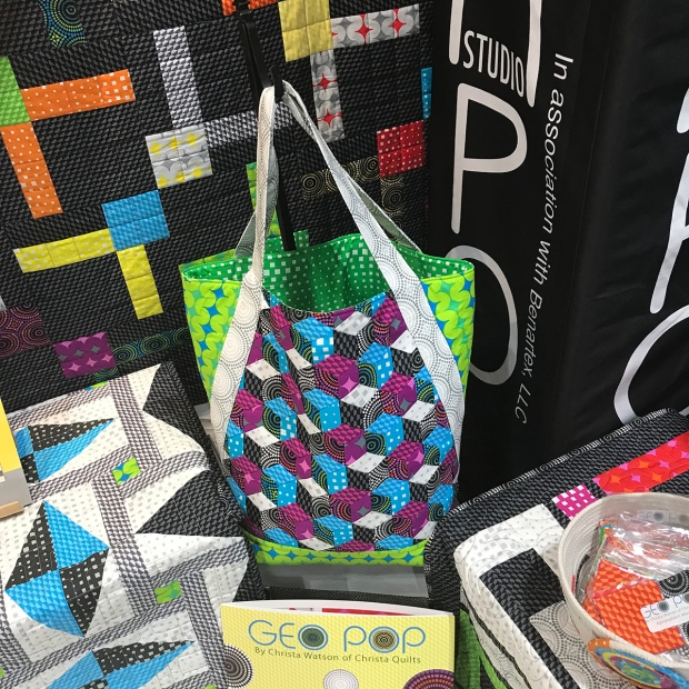 Woven Bag with Geo Pop