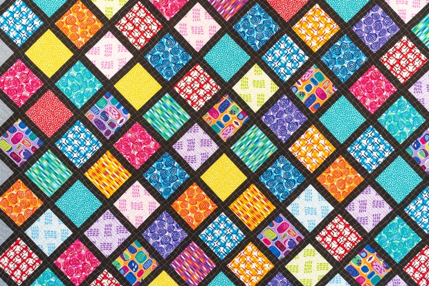 LatticeWork quilt by Christa Watson